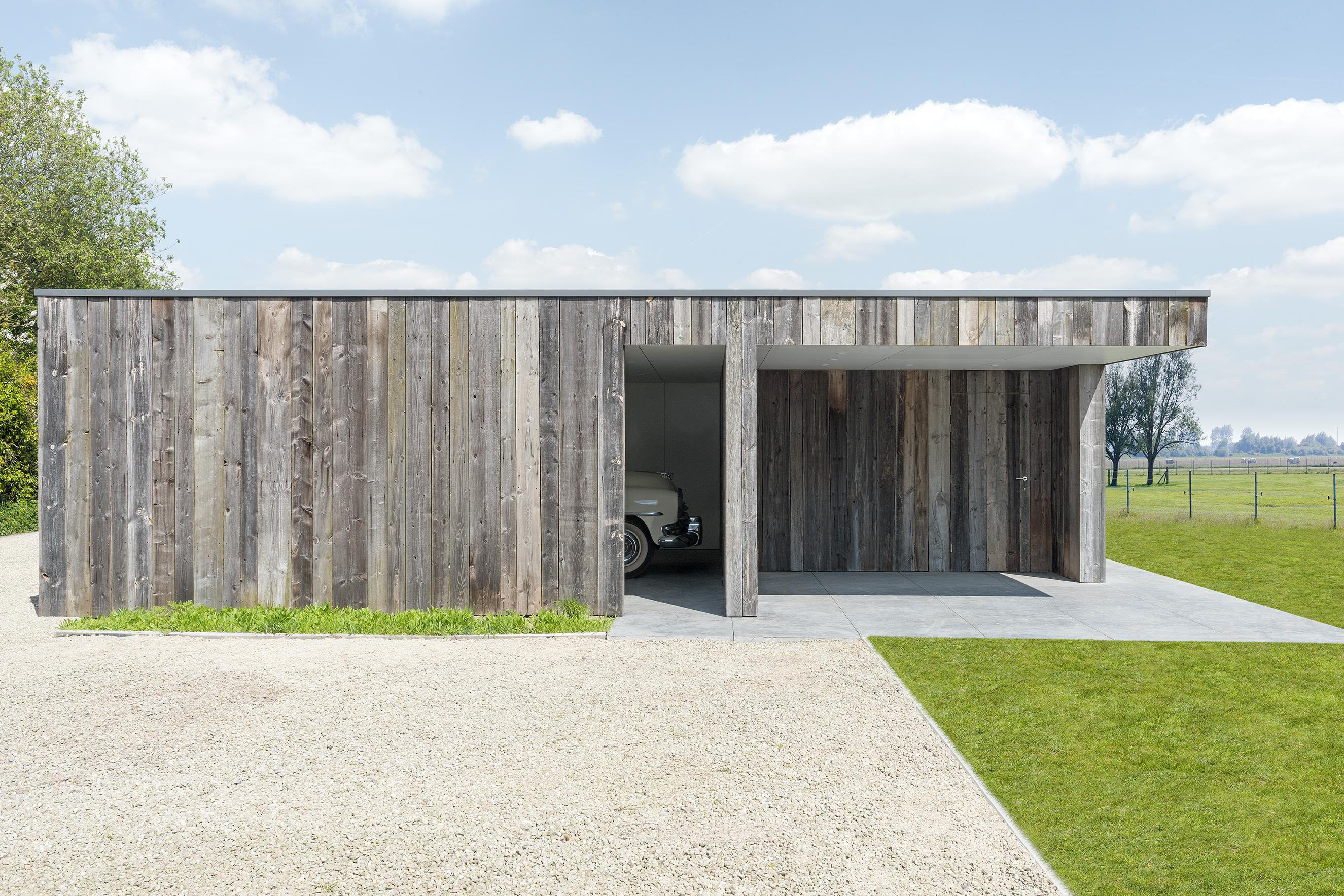 carport double en bois avec remise et terrasse couverte olsene livinlodge. Black Bedroom Furniture Sets. Home Design Ideas