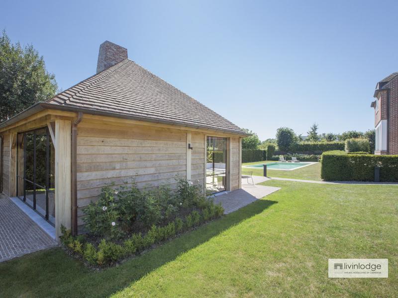 eiken poolhouse met tuinkantoor | houten bijgebouwen op maat